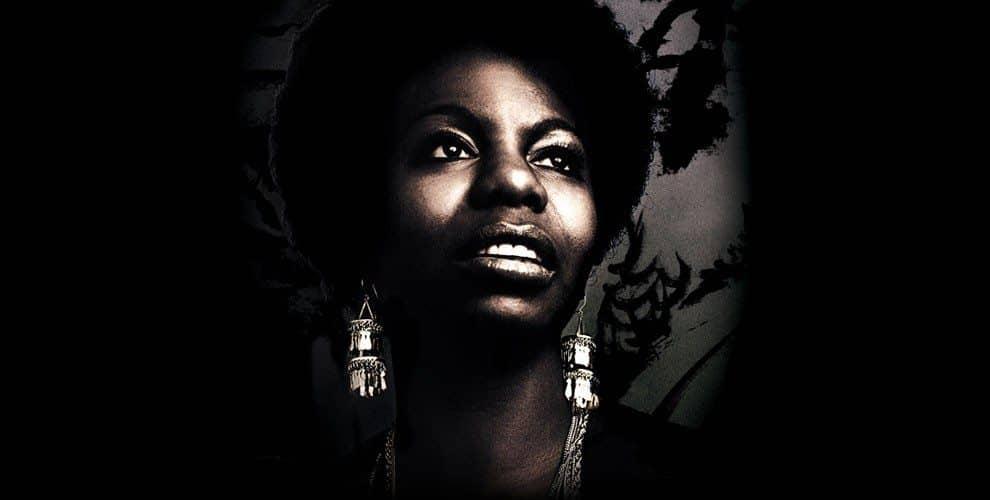 Foto de Nina Simone faria 80 anos se estivesse viva. Artista, cidadã e humana.
