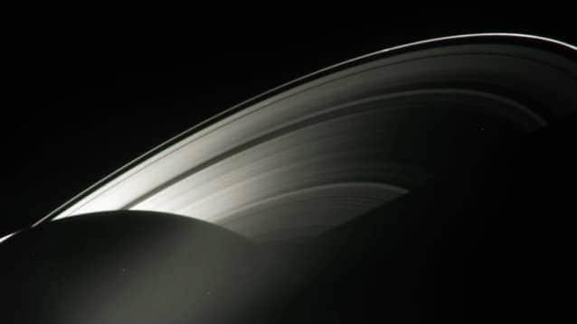 anéis de saturno e parte de saturno
